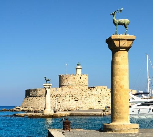 Telegraph: Η Ελλάδα παράδεισος για τους τουρίστες και το φθινόπωρο -Ποια νησιά είναι οι απόλυτοι προορισμοί