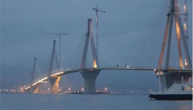 Απαγχονισμένη βρέθηκε νεαρή γυναίκα στη γέφυρα Ρίου - Αντιρρίου