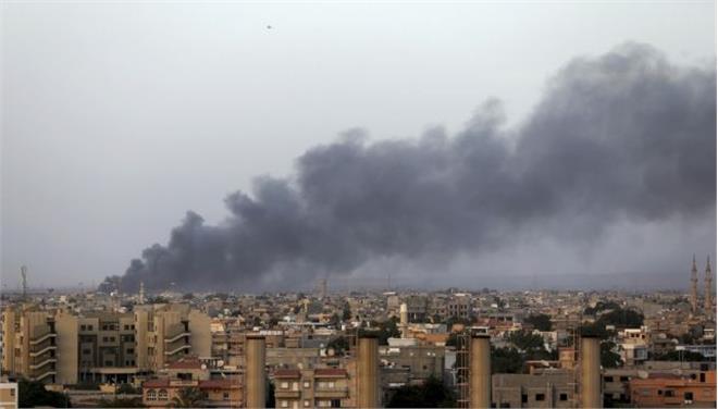 Λιβύη: 13 νεκροί και 45 τραυματίες σε συγκρούσεις ισλαμιστών και δυνάμεων του στρατού