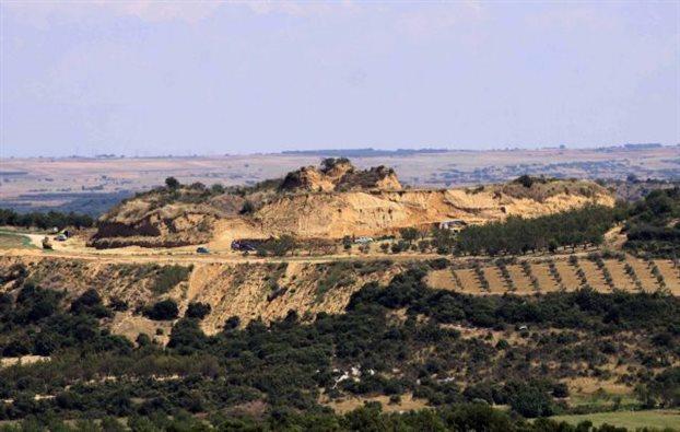 O «αόρατος» αρχαιοκάπηλος της Αμφίπολης