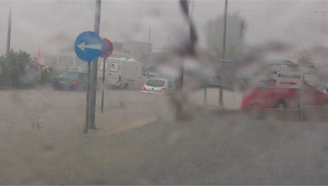 Εναν νεκρό και πλημμύρες άφησε η καταιγίδα στον δήμο Ωραιοκάστρου