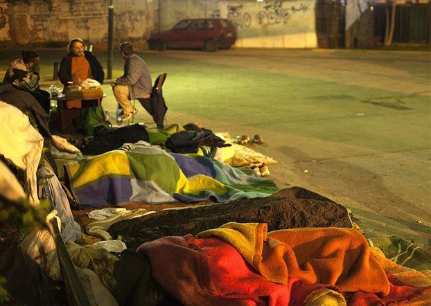 Φιλοξενία και εργασία για 1.200 άστεγους από το υπουργείο Εργασίας