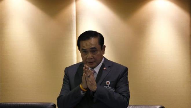 Σάλο προκάλεσαν σχόλια του ταϊλανδού πρωθυπουργού μετά τη δολοφονία βρετανών τουριστών