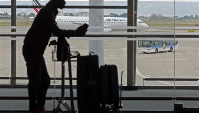 Υποχώρησε η Air France και περιμένει την αντίδραση των πιλότων