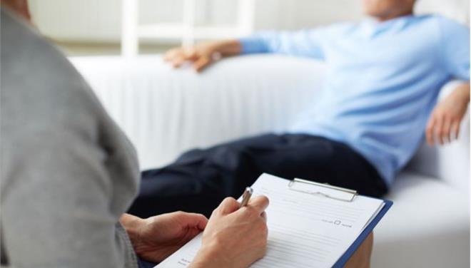 Καλύτερη η ψυχοθεραπεία από τα χάπια για την κοινωνική φοβία, υποστηρίζει νέα έρευνα