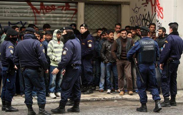 Ρατσιστικές επιθέσεις από ενστόλους κατήγγειλαν Frontex και ξένες πρεσβείες