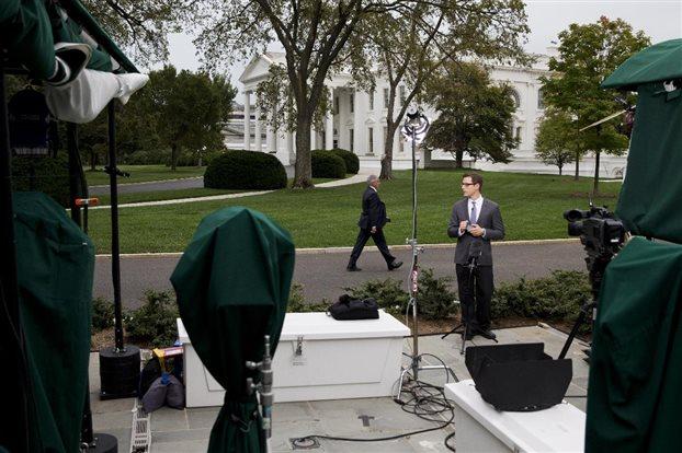Μέσα στον Λευκό Οίκο φέρεται να εισχώρησε ο συλληφθείς εισβολέας