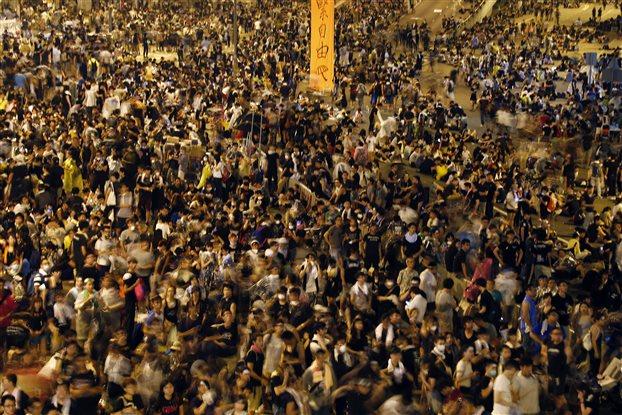 Tελεσίγραφο μέχρι την Τετάρτη από τους διαδηλωτές του Χονγκ Κονγκ στην ηγεσία της χώρας
