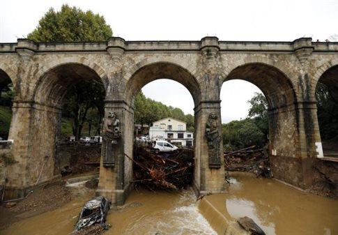Πλημμύρες σαρώνουν και πάλι τη νότια Γαλλία