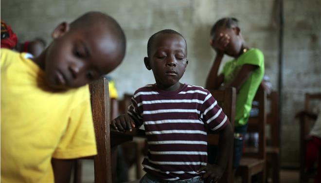 Unicef: Τουλάχιστον 3.700 ορφανά παιδιά στη δυτική Αφρική εξαιτίας του Εμπολα