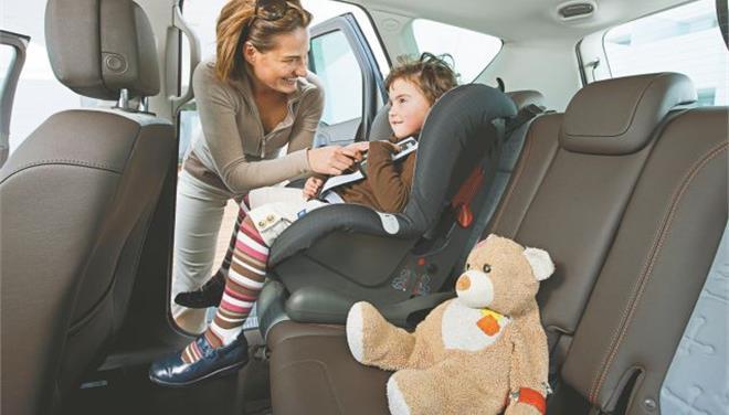 «Εφιάλτης» για τα παιδιά η οδήγηση των γονιών τους