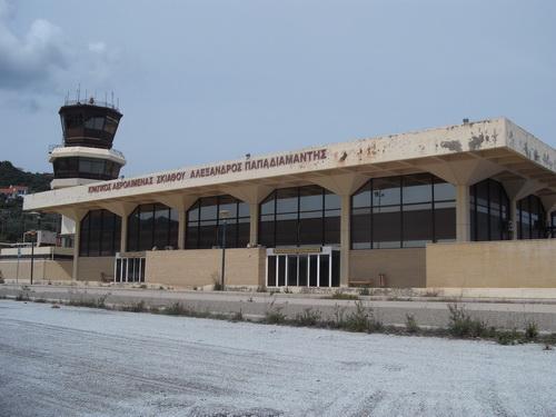 Οκτώ διεθνείς επιχειρηματικοί κολοσσοί φλερτάρουν... με το αεροδρόμιο Σκιάθου