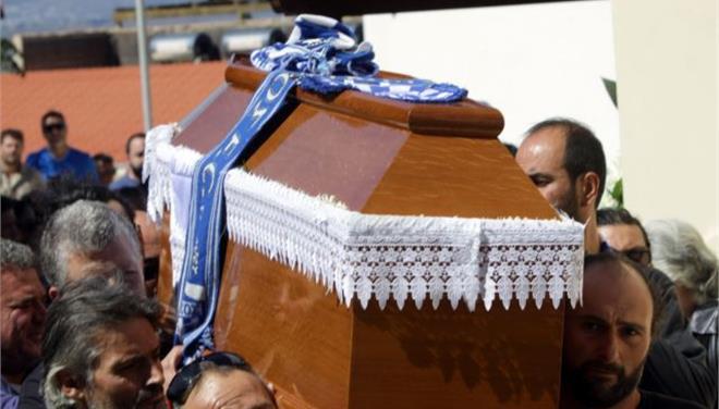 Κηδεύτηκε στα Χανιά ο 46 χρόνος φίλαθλος του Εθνικού, Κώστας Κατσούλης
