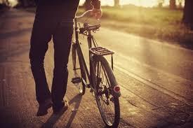Αναίσθητος ηλικιωμένος μετά από πτώση από ποδήλατο