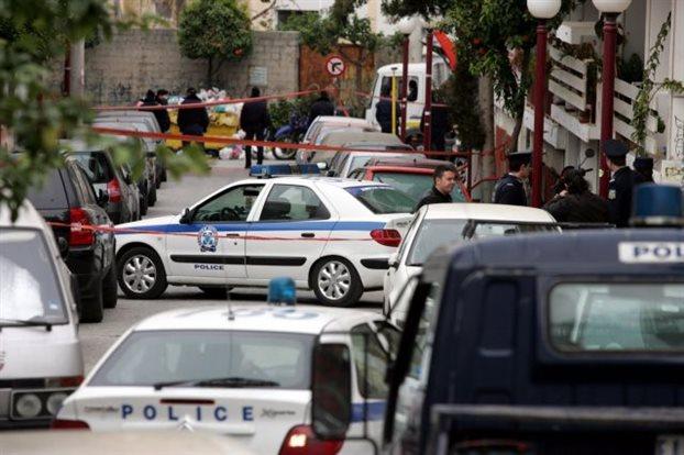 Βρήκαν «γιάφκα» στον Βύρωνα με σχέδια επίθεσης σε εφοπλιστή και πολυεθνική εταιρεία