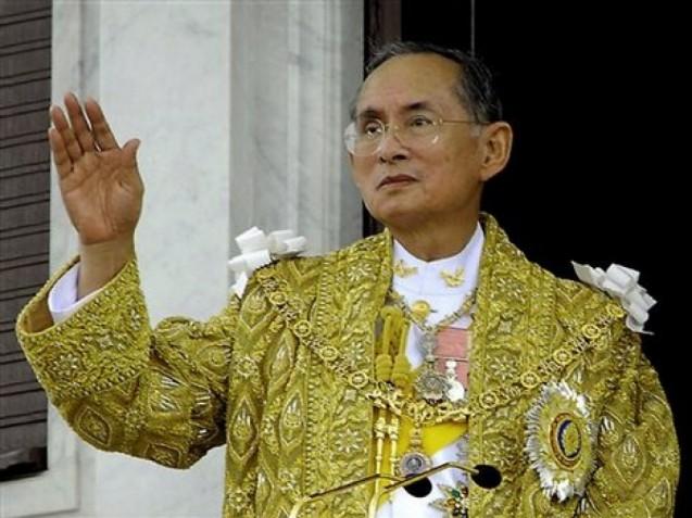 Ταϊλάνδη: Ο βασιλιάς μπήκε στο χειρουργείο