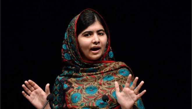 Εγκώμια αλλά και απειλές για τη Μαλάλα στο Πακιστάν μετά το Νόμπελ Ειρήνης