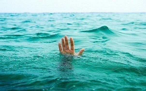 Ανθρώπινη αλυσίδα σώζει από πνιγμό κολυμβητή στο Ορεγκον [βίντεο]