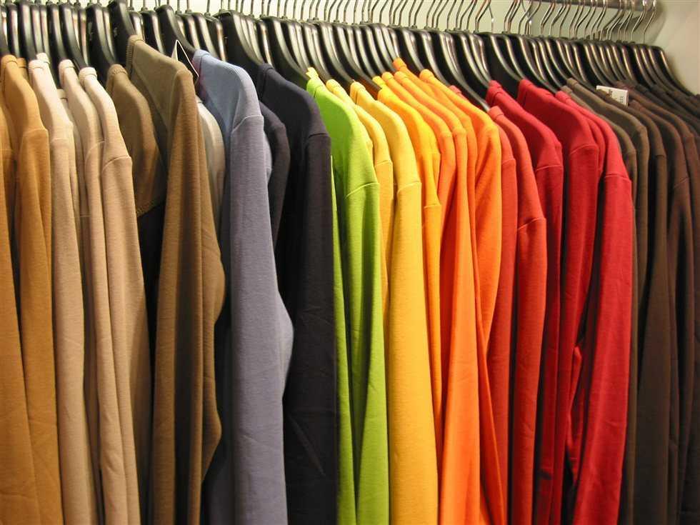 Ρούχα για απόρους συγκεντρώνουν εθελοντές στη Σκόπελο