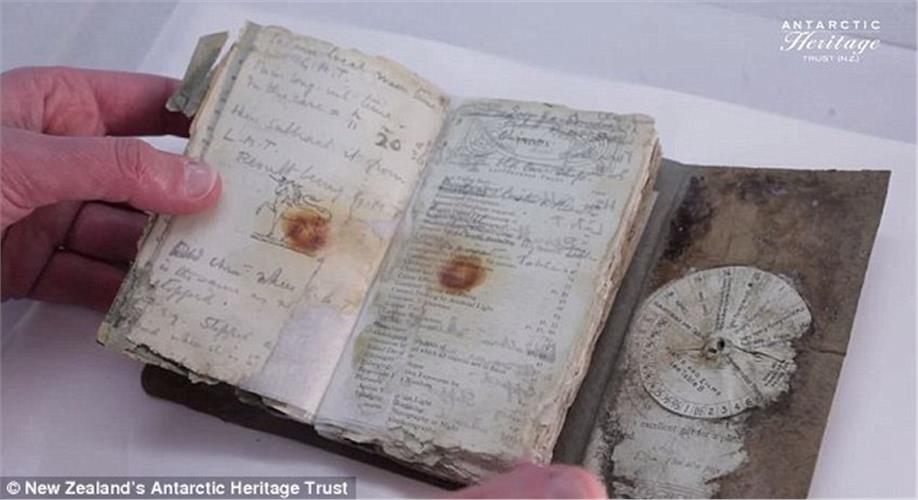 Ανακάλυψαν σπάνιο σημειωματάριο της τραγικής αποστολής του Σκοτ στην Ανταρκτική το 1912