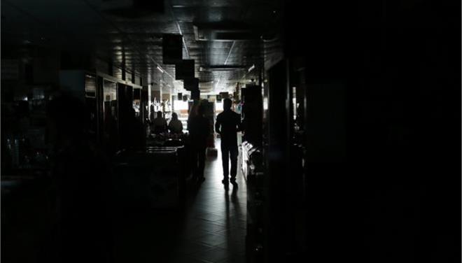 Μπανγκλαντές: Χωρίς ηλεκτρικό ρεύμα ολόκληρη η χώρα