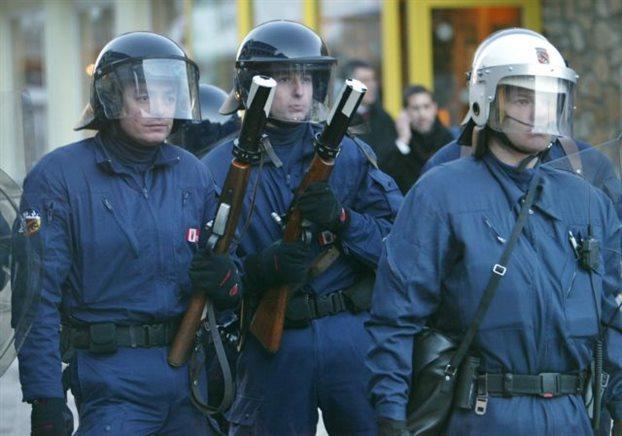 Ελβετία: Τρεις νεκροί από πυροβολισμούς κοντά στο σιδηροδρομικό σταθμό του Βίλντερσβιλ