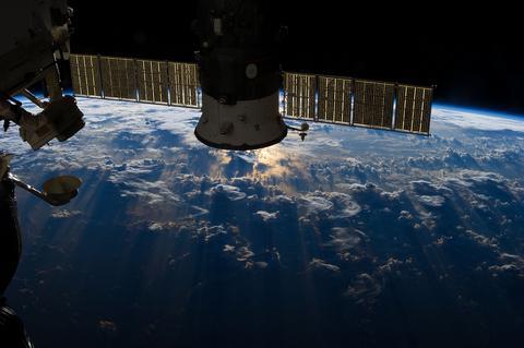 Περιπλανώμενα διαστημικά σκουπίδια απείλησαν τον Διαστημικό Σταθμό
