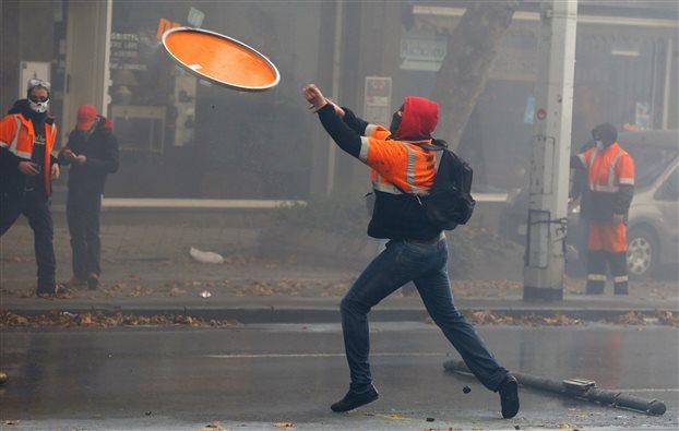 Διαδηλώσεις κατά τις λιτότητας με τραυματίες στις Βρυξέλλες