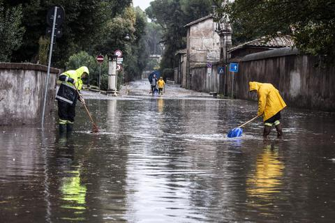 Με τον φόβο του κυκλώνα η Σικελία