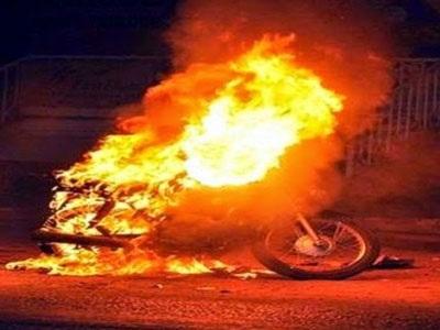 Λάρισα: Έβαλε φωτιά σε μοτοσικλέτα