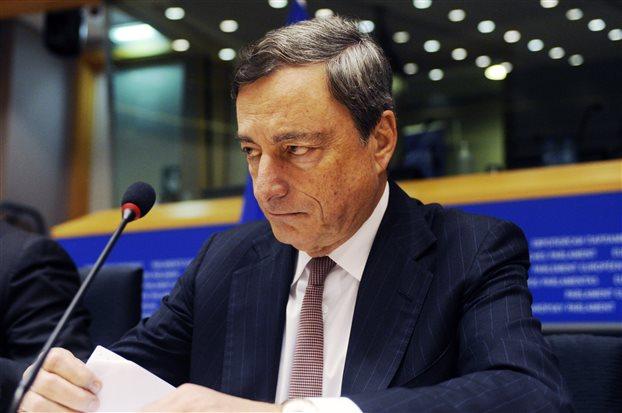 Ντράγκι: Δεν είναι χρήσιμη η αναδιάρθρωση του ελληνικού χρέους