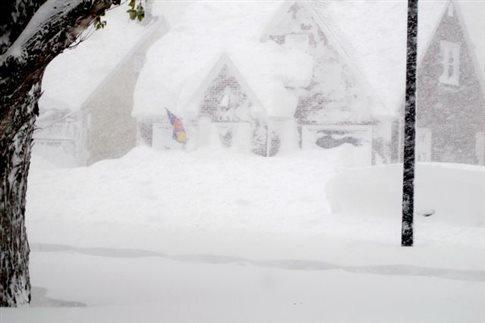 Θάφτηκε στο χιόνι το Μπάφαλο της Νέας Υόρκης, κύμα ψύχους σε όλες τις ΗΠΑ
