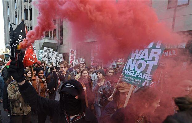 Λονδίνο: Επεισόδια φοιτητών-αστυνομικών κατά τη διάρκεια πορείας