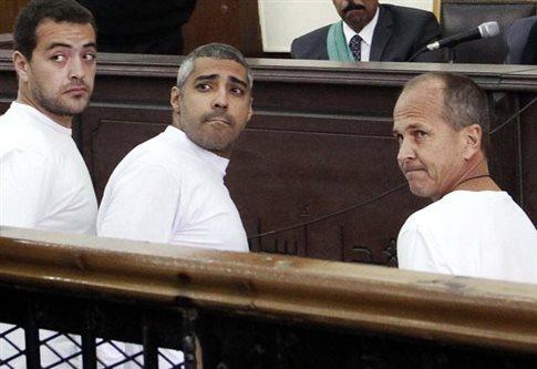Αίγυπτος: Ελπίδες αποφυλάκισης για δύο δημοσιογράφους του Al Jazeera