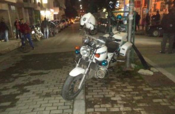 Τρίκαλα: Ανήλικος παρέσυρε αστυνομικό προσπαθώντας να αποφύγει τον έλεγχο