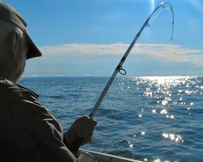 Ψάρευαν στην Κάρλα ενώ απαγορεύεται