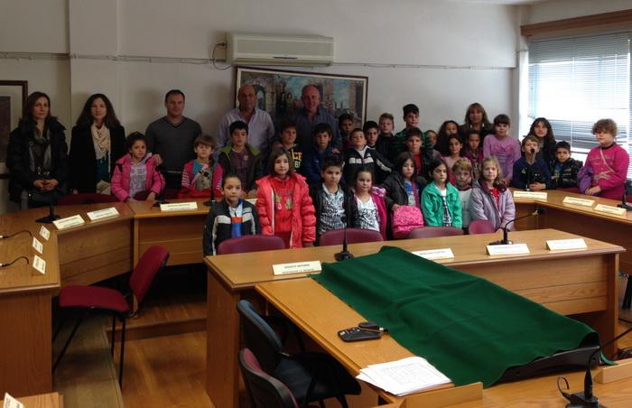Επίσκεψη μαθητών του Δημοτικού Σχολείου Αερινού στο Δήμαρχο Δημ. Νασίκα