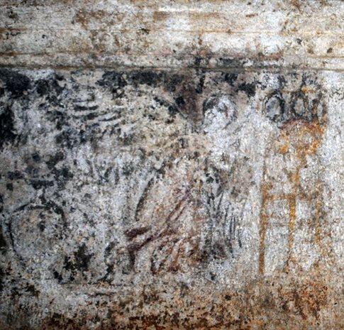 Αμφίπολη: Αποκαλύπτονται οι παραστάσεις των επιστυλίων του τάφου