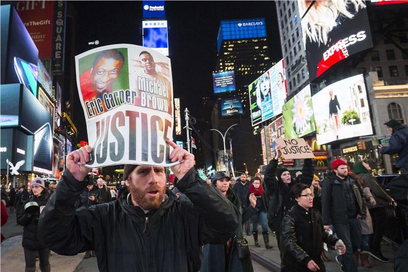 Χιλιάδες στους δρόμους της Νέας Υόρκης για δεύτερο «περιστατικό Φέργκιουσον»