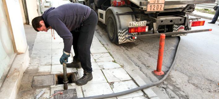 Γιατί δεν πέφτει η τιμή του πετρελαίου στην Ελλάδα -Οι γκρίζες ζώνες της αγοράς