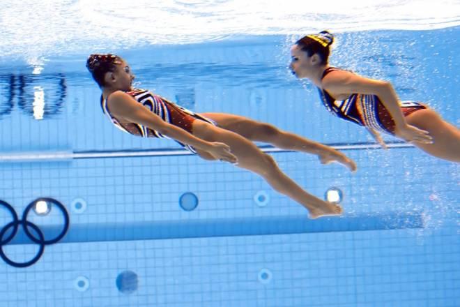 Εξωση για τη συγχρονισμένη κολύμβηση!