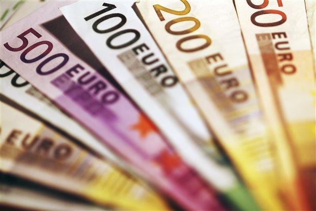 Στο στόχαστρο του ΔΝΤ ο κατώτατος μισθός στην Ελλάδα