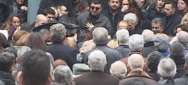Θρήνος στην κηδεία της 28χρονης στη Λάρισα
