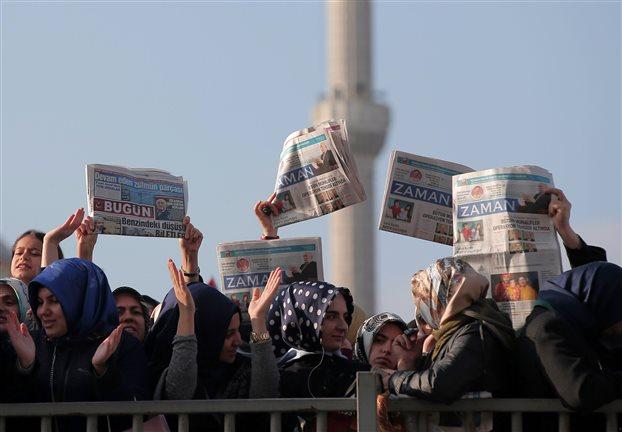 Ερντογάν: Υπερασπίζεται την καταστολή σε ΜΜΕ της Τουρκίας