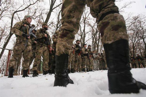 Ουκρανικός στρατός και αυτονομιστές επιδίδονται σε βασανιστήρια