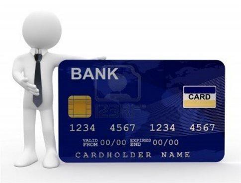 Καταγγελίες για αποκλεισμό πολιτών άνω των 67 από έκδοση πιστωτικών καρτών