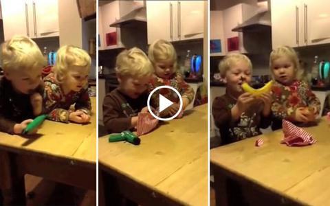 Η απίθανη αντίδραση δυο παιδιών σε πρόωρο δώρο Χριστουγέννων