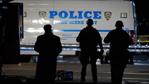 Ενοπλος εκτέλεσε εν ψυχρώ 2 αστυνομικούς στη Νέα Υόρκη