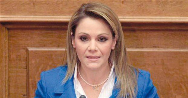 Θα ψηφίσει υπέρ του Σταύρου Δήμα η βουλευτής Μίκα Ιατρίδη