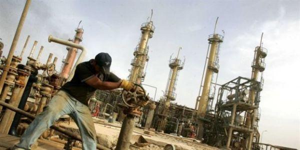 Ζημιά 2,1 δισ.της Τουρκίας από το λαθρεμπόριο πετρελαίου του ISIS